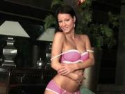Striptease coquine de Melisa Mendiny