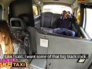 La chauffeuse de taxi enculée par un black