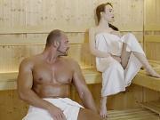 Angel Rush se fait limer dans un sauna