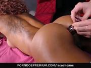 Rose Valerie se fait éclater son beau cul