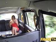 Bonasse se tape une baise avec le chauffeur de taxi